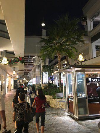ala moana center photo6 jpg