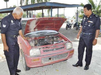 lelaki wanita ditahan miliki kereta curi di felad selasih