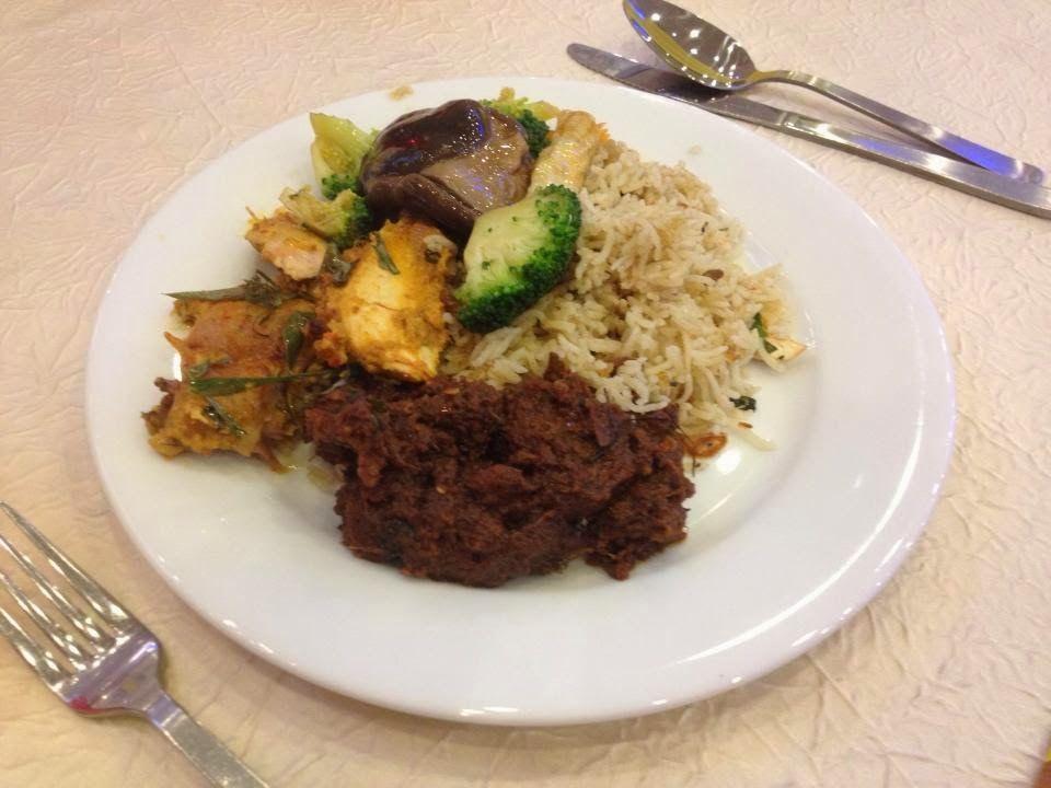 lepas sidut seput makanan yang saya aimed dan mengidam bila balik malaysia adalah nasi kenduri kahwin yang semestinya makan dalam suasana majlis kahwin