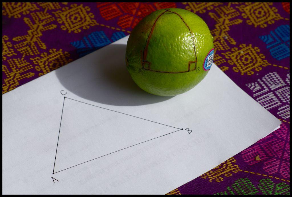 segitiga bidang datar dan bidang melengkung 1024px jpg
