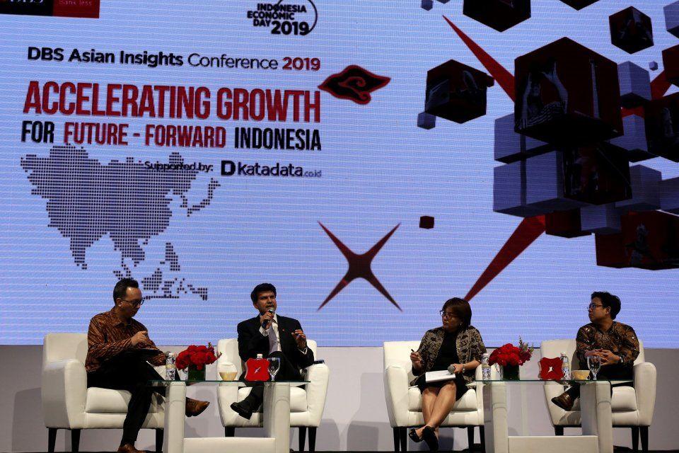 ajeng dinar ulfiana katadata ekonom dbs menilai pemilu 2019 bersifat netral terhadap prospek pertumbuhan ekonomi dan menciptakan stabilitas pemerintahan